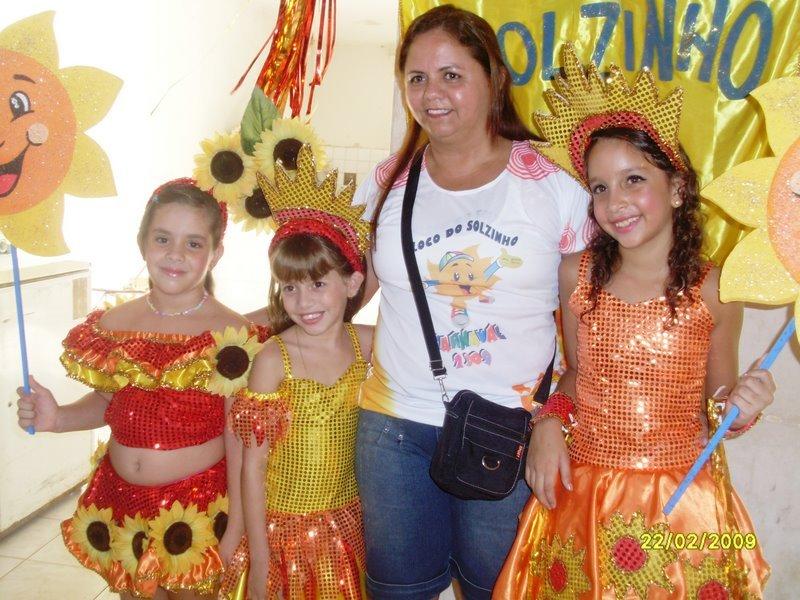 PRIMEIRA DAMA DE COELHO NETO PRESTA ASSISTÊNCIA A DESABRIGADOS