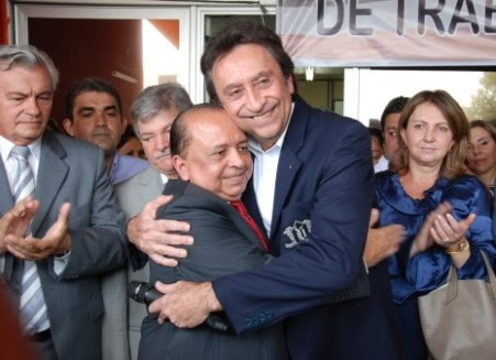 RICARDO REASSUME SAÚDE SOB APLAUSOS, FOGUETÓRIO E MÚSICA DE ROBERTO CARLOS