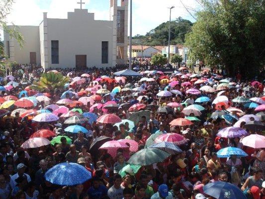 GOVERNO MUNICIPAL REALIZA FESTA DAS MÃES