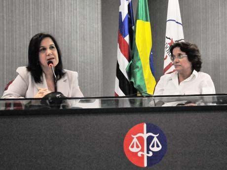 SECRETÁRIA PARTICIPA DE ENCONTRO DE POLÍTICAS PÚBLICAS E JUVENTUDE
