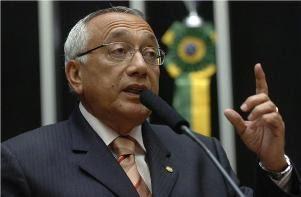 MORALIZAÇÃO: GASTÃO SUSPENDE PAGAMENTO DE R$ 90 MI A ONGS