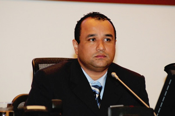 DEPUTADO ROBERTO COSTA: CASTELO TENTA BARRAR VIA EXPRESSA NA JUSTIÇA