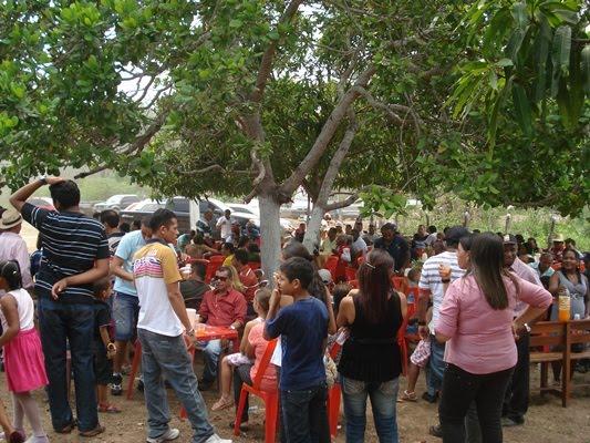 D. FLORA LEAL COMPLETA 80 ANOS COM GRANDE FESTA