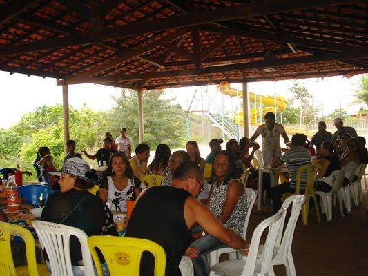 SEMEC REALIZA FESTA DE CONFRATERNIZAÇÃO COM SERVIDORES