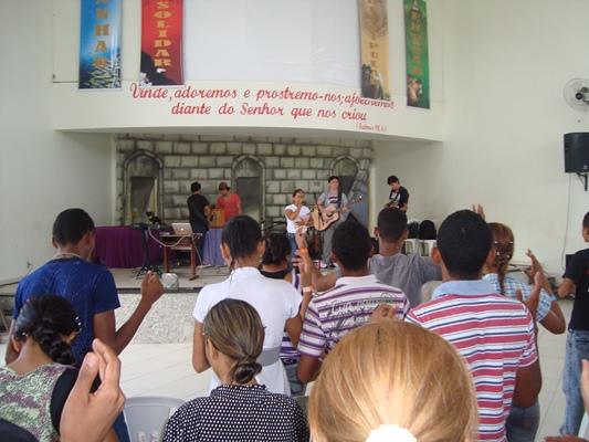 JOVENS PARTICIPAM DE CONGRESSO EM CAXIAS