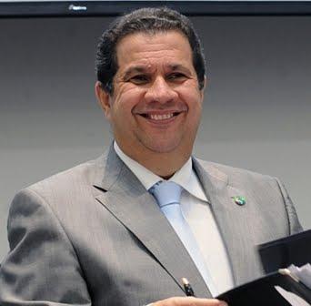 CARLOS LUPI PEDE EXONERAÇÃO DO MINISTÉRIO DO TRABALHO