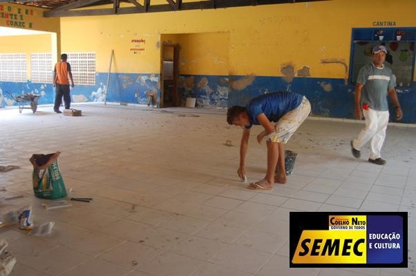 SEMEC PROMOVE REFORMA DE ESCOLAS