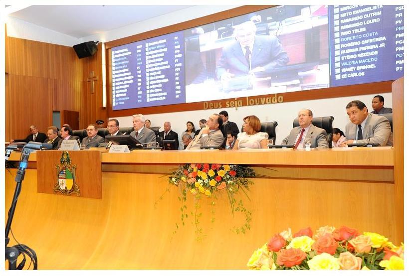 ASSEMBLEIA INICIA OS TRABALHOS LEGISLATIVOS DO ANO DE 2012