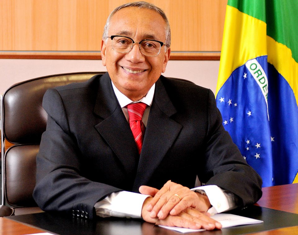 APROVADO TÍTULO DE CIDADANIA COELHONETENSE AO MINISTRO GASTÃO VIEIRA