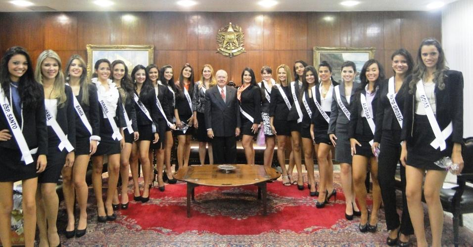 CANDIDATAS AO MISS BRASIL 2012 VISITAM SARNEY