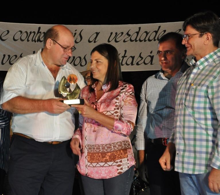 GOVERNADORA ROSEANA RECEBE HOMENAGEM NA 10ª AGROBALSAS