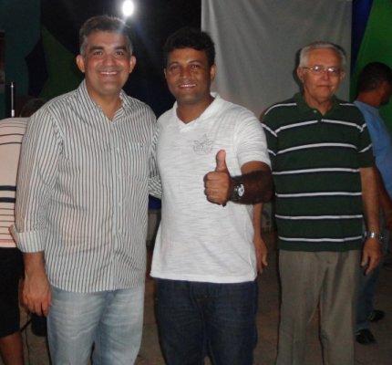 ELEIÇÕES 2012: SOLINEY PARTICIPA DO LANÇAMENTO DE CANDIDATURA DE VEREADORES: SILAS DAVID, JÚNIOR SANTOS, SUELY GUERRA E MÁRCIO ALMEIDA SÃO OS PRIMEIROS
