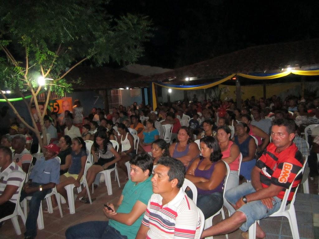 ELEIÇÕES 2012: COM FORTE PRESENÇA POPULAR MANOEL BEZERRA LANÇA CANDIDATURA A VEREADOR
