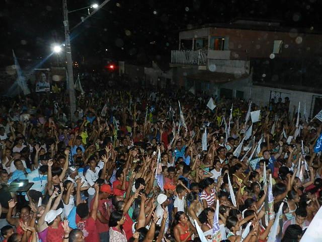 ELEIÇÕES 2012: CARAVANA DO 55 ARRASTA MULTIDÃO NO BAIRRO SARNEY