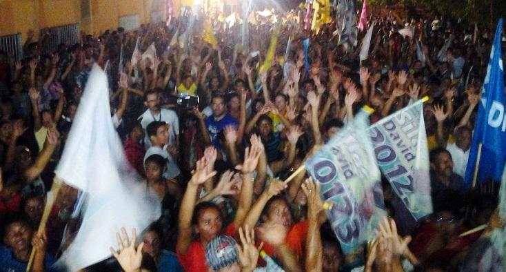 ELEIÇÕES 2012: CARAVANA DO 55 REÚNE MULTIDÃO NO BAIRRO BELA VISTA