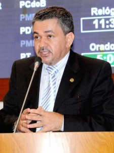 ANTÔNIO PEREIRA NEGA ACORDO POLÍTICO COM CARLINHOS AMORIM EM IMPERATRIZ