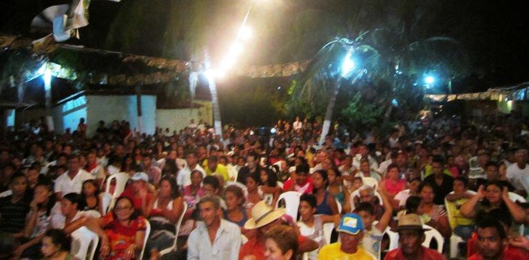 ELEIÇÕES 2012: MULTIDÃO PARTICIPA DO LANÇAMENTO DE CANDIDATURA DO VEREADOR VAL
