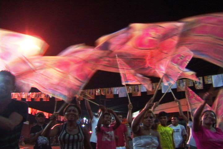 DORALICE REALIZOU COMÍCIO COM PRESENÇA DE MARCOS CALDAS E CLÉBER VERDE