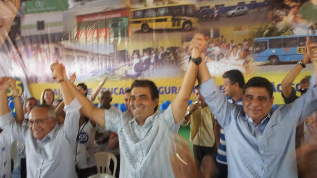 ELEIÇÕES 2012: SOLINEY REALIZA CAMINHADA NESTA TERÇA