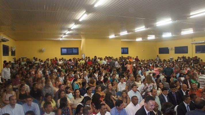 EM SESSÃO SOLENE CONCORRIDA, ELEITOS SÃO DIPLOMADOS EM COELHO NETO