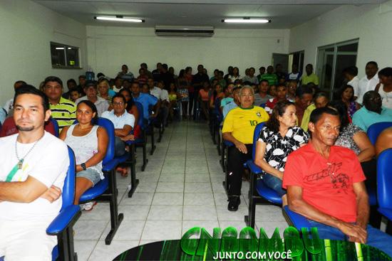 GALERIA LOTADA PRESTIGIA ABERTURA DOS TRABALHOS DA NOVA CÂMARA