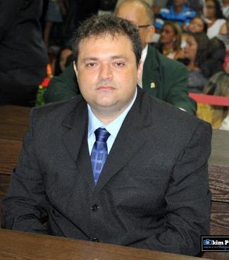 "MARCELO MENEZES MOSTRA A ""COR DA CHITA"" A IVANDRO COELHO"