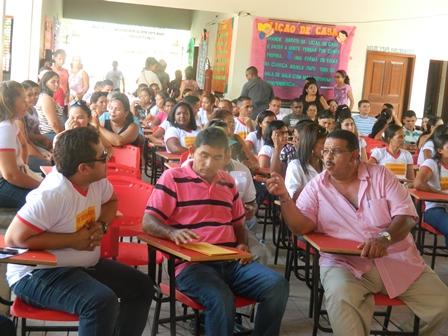 LEANE PARTICIPA DA ABERTURA DE EVENTO COM PROFESSORES