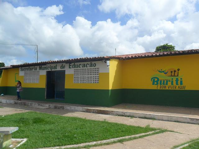 PREFEITURA DE BURITI CONCLUI REFORMA DA SECRETARIA DE EDUCAÇÃO