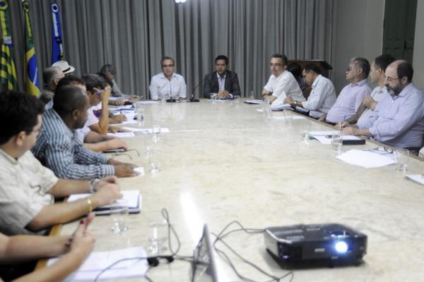 prefeito-luciano-leitoa-em-reuniao-da-ride-3193