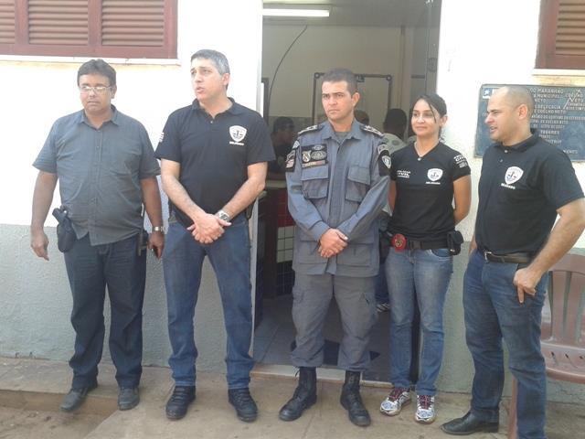 Autoridades envolvidas durante a operação