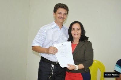 Galdêncio Gomes Recebendo Nomeação de Belezinha