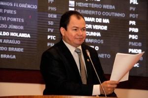 Rafael-Leitoa-comemora-criação-das-Frente-Paralamentar-para-o-Fim-dos-Lixões-no-Maranhão-2-300x199
