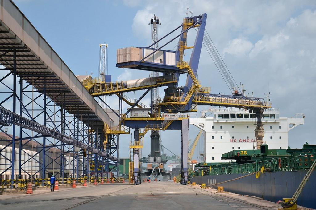 Porto do Itaqui é uma alternativa para uma equação entre o escoamento da produção e custo de transporte.