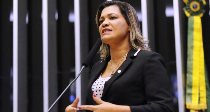 Rosângela: discurso no Grande Expediente para destacar atuação por Imperatriz