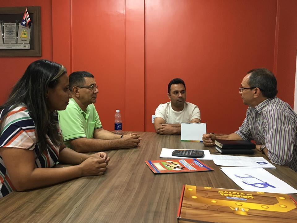Prefeito de Afonso Cunha recebe grupo de evangélicos da Igreja Batista