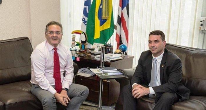 Roberto Rocha deve compor base de apoio a Bolsonaro no Senado…