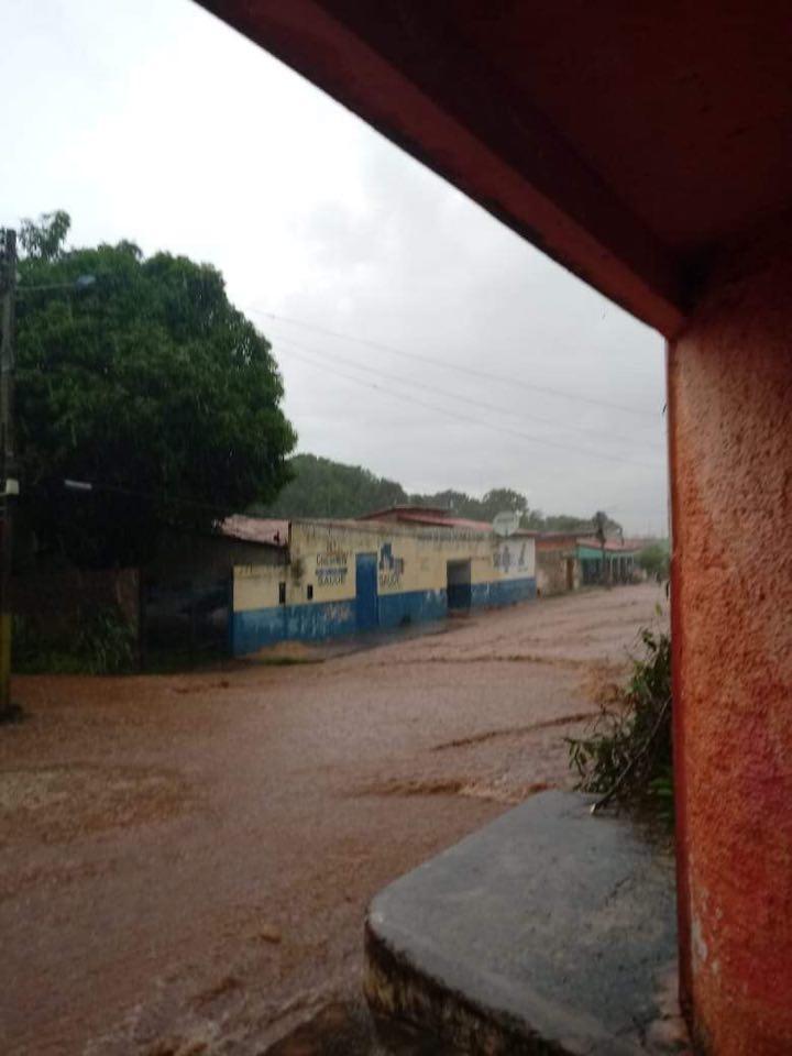 Fortes chuvas causam transtornos em Coelho Neto