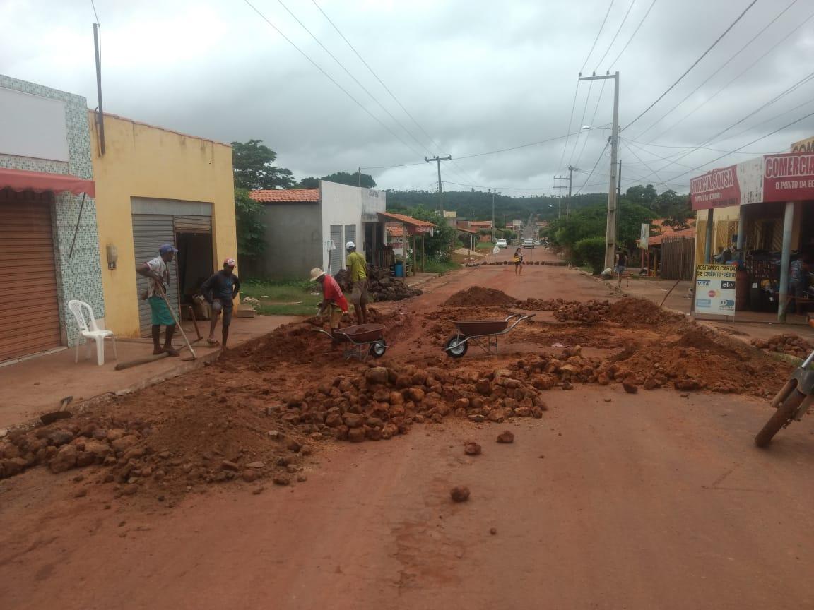 Prefeitura executa melhorias de infraestrutura em Duque Bacelar