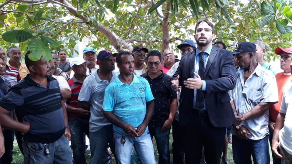 Presidente da Câmara participa de mobilização dos trabalhadores do Grupo João Santos em Caxias