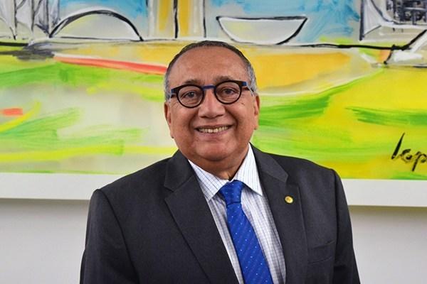 Gastão Vieira assume mandato na Câmara Federal