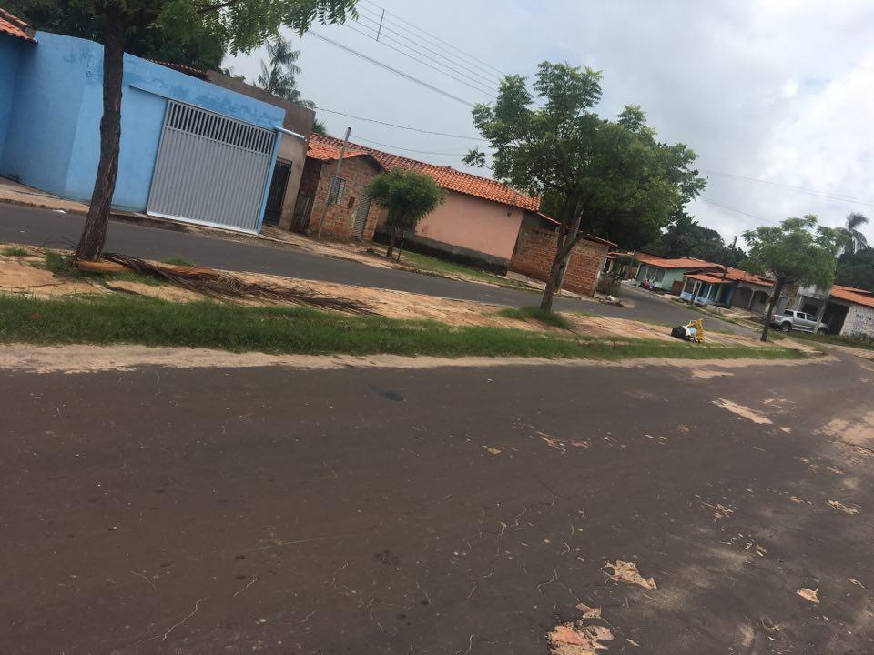 Moradores denunciam descaso em avenida de Coelho Neto
