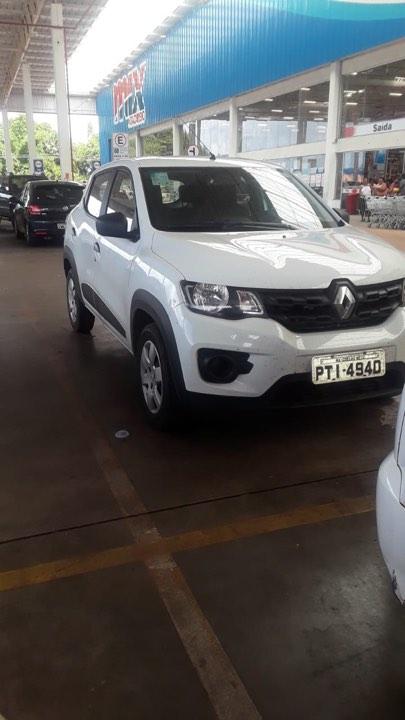 Imagem do dia: Carro Oficial da Saúde de Coelho Neto nas compras…