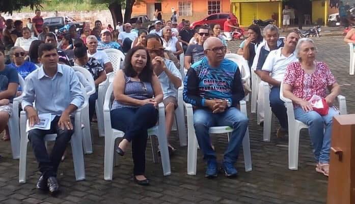 Jorge Oliveira prestigia evento do Dia do Trabalhador em Duque Bacelar