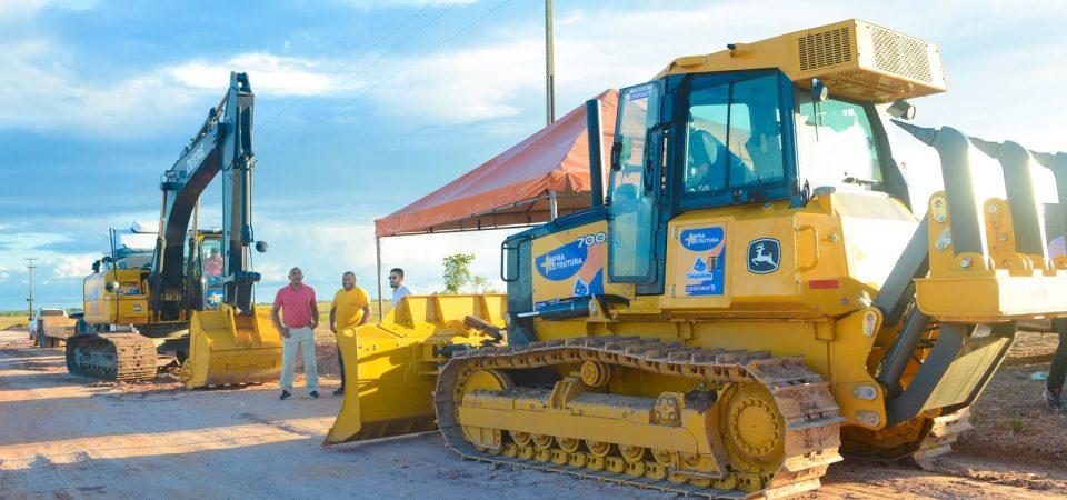 Magno Bacelar entrega máquinas e reforça investimentos em Chapadinha