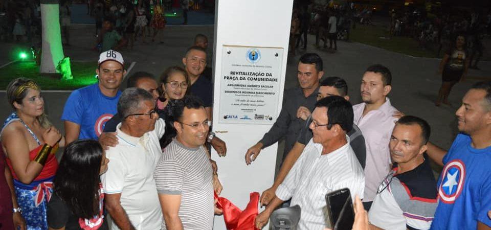 Em clima de festa, prefeito Arquimedes entrega nova praça em Afonso Cunha
