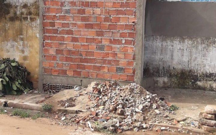 Coelho Neto: A Prefeitura que constrói e a Prefeitura que derruba…