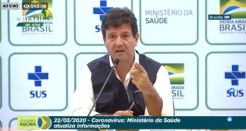 Mandetta: país 'tem total capacidade' de fornecer coloroquina a brasileiros