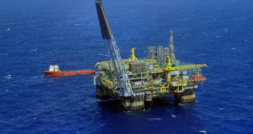 Petrobras reduz preço da gasolina em 9,5%; diesel cai 6,5%