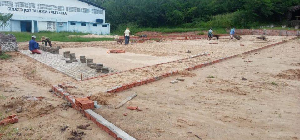 Prefeitura constrói praça para revitalizar Gruta De Nossa Senhora em Duque Bacelar