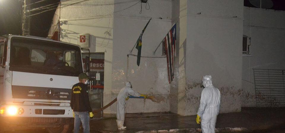 Prefeitura realiza higienização de locais públicos como forma de prevenção ao Covid-19 em Duque Bacelar